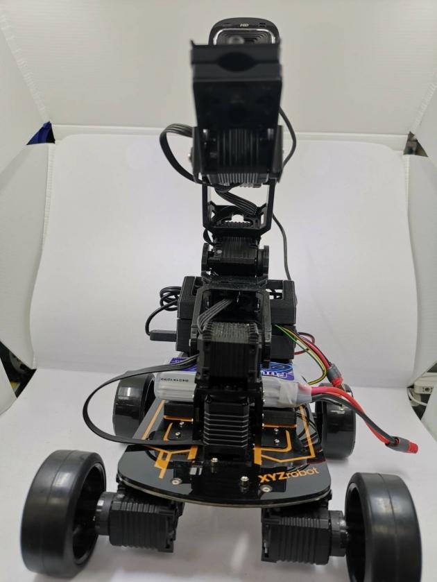 影像識別手臂車載具 2